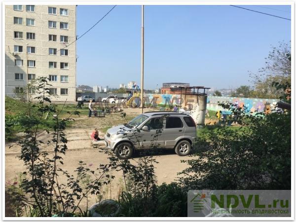 Владивосток, ул. Часовитина, 17. 2-к квартира. Вид из окна
